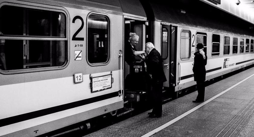 """Konkurs """"Z podróży koleją"""" rozstrzygnięty! Najlepsze zdjęcia na dworcach w całej Polsce"""